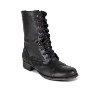 Steve Madden black troopa boots